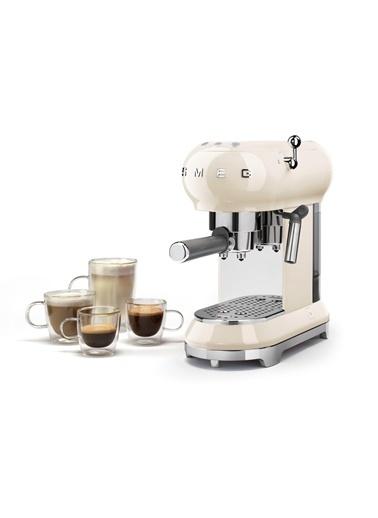 Smeg Krem Kahve Makinesi Krem